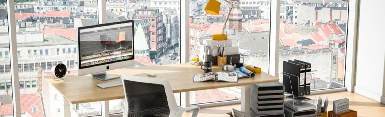 Hævesænke skrivebord