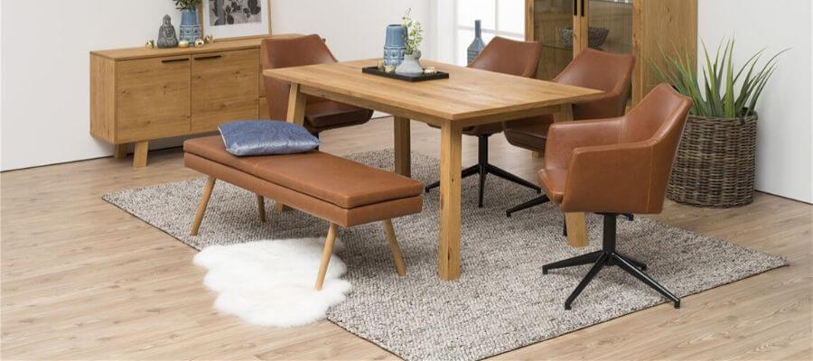 Brun læder bænk til spisebordet