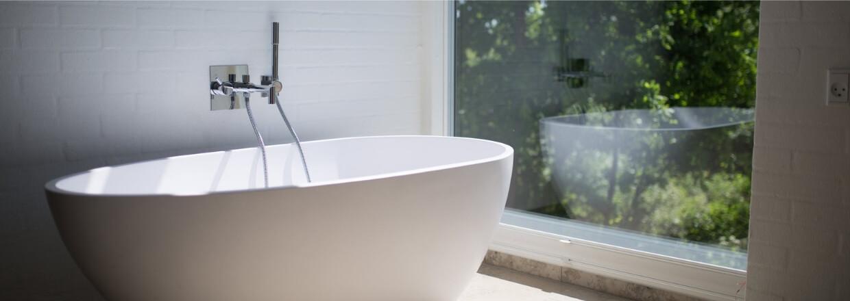 badeværelse - hvid badekar