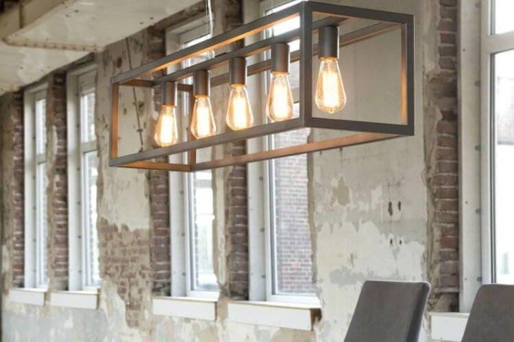 Anderledes retro lampe til over spisebordet