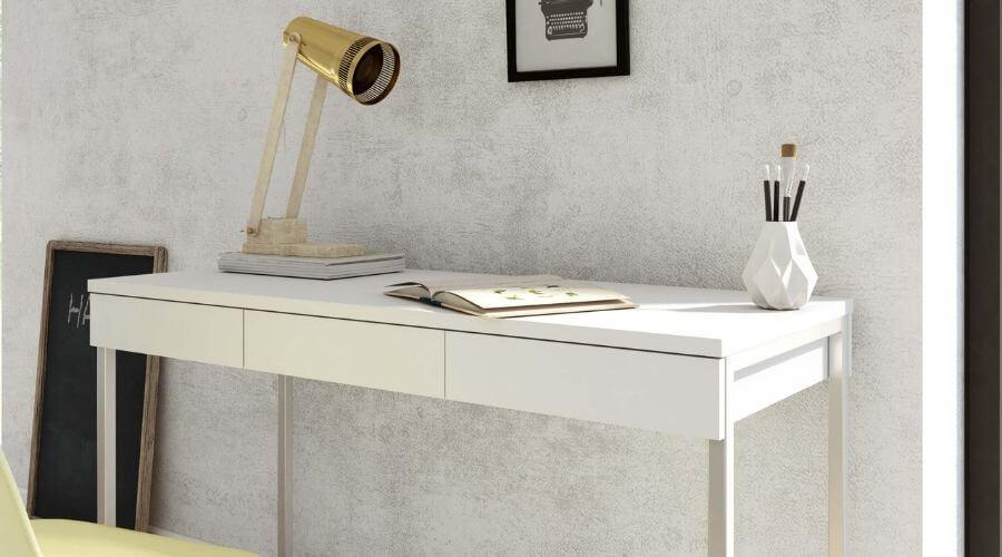 Flot lampe over skrivebord