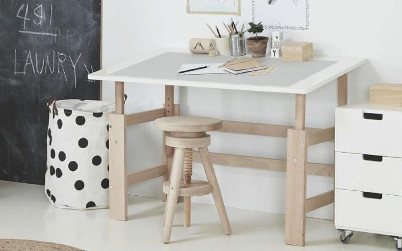 Skrivebord til børn højde