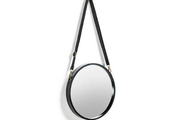 Lille rundt spejl med læderrem
