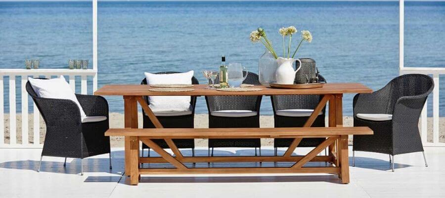 Flot bænk fra Sika Design, både til indendørs og udendørs brug