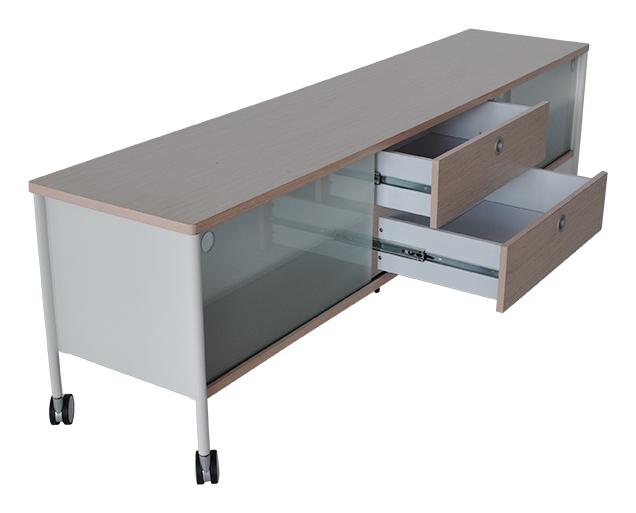 Alessi bred TV-bord med hjul, hvid, sort - Tv-borde - BOBO