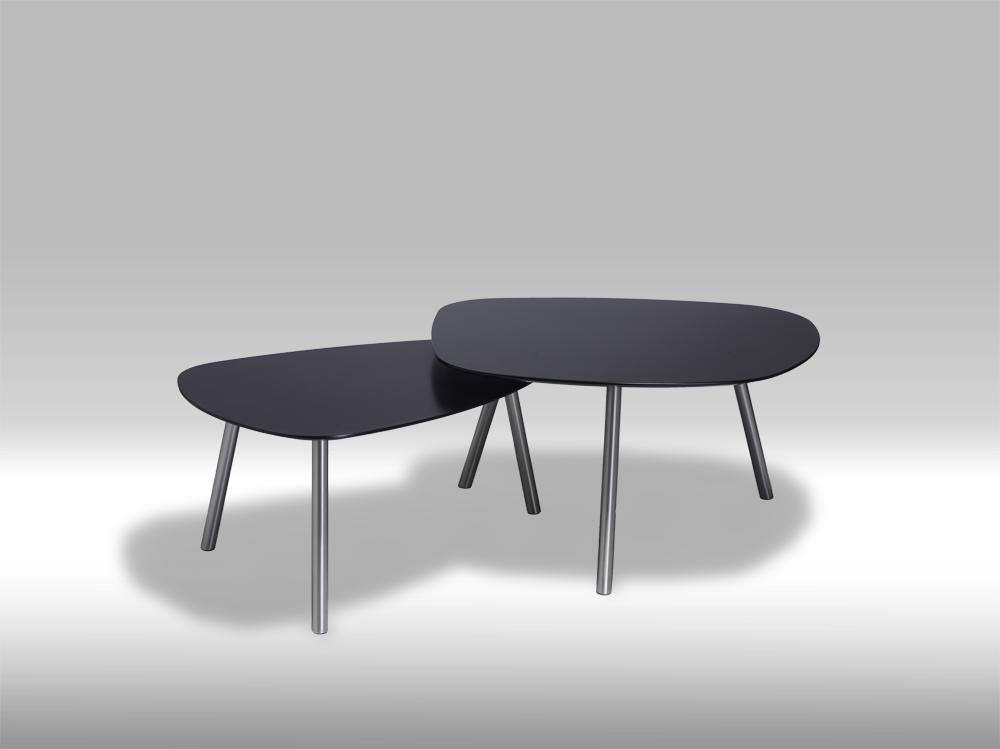 Moderne og stilrent Malou sofabord i mat sortmalet træ