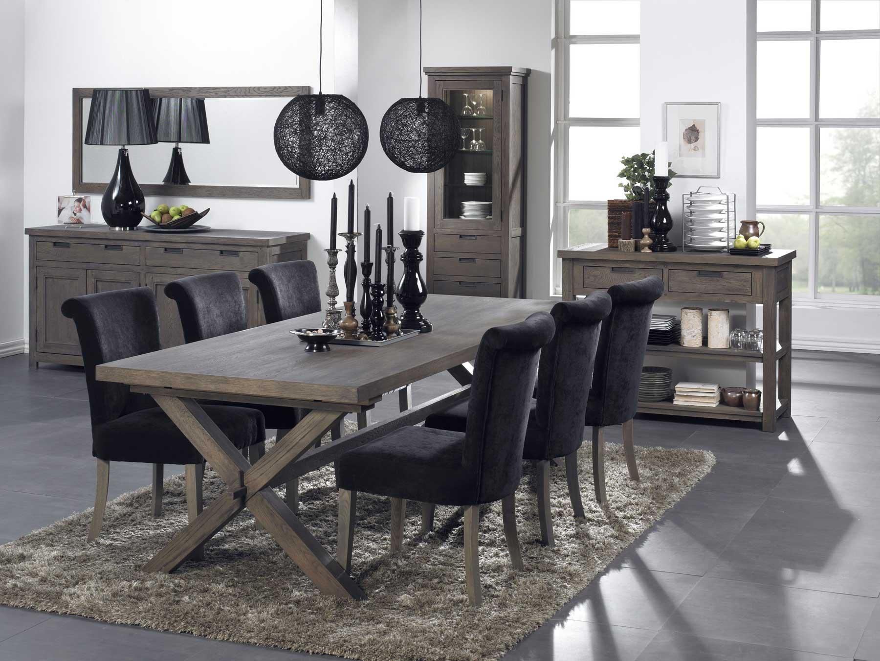 enkelt og stilrent cross spejl med ramme af bejdset tr. Black Bedroom Furniture Sets. Home Design Ideas