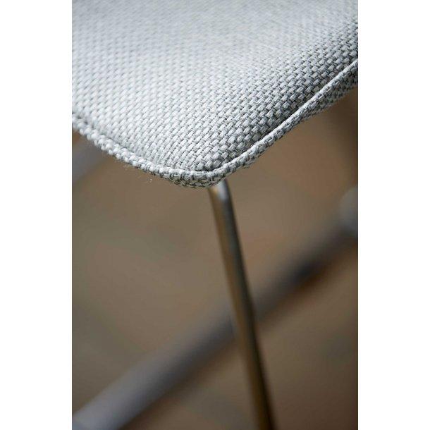 Delta stol i lysegrå
