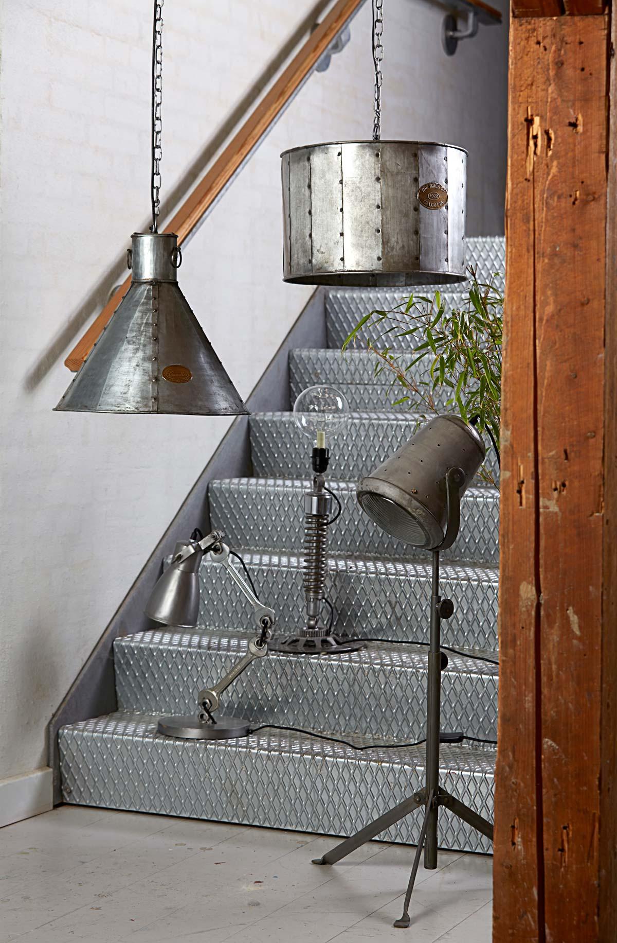 cylinderformet vintage light h ngelampe i industrielt design. Black Bedroom Furniture Sets. Home Design Ideas