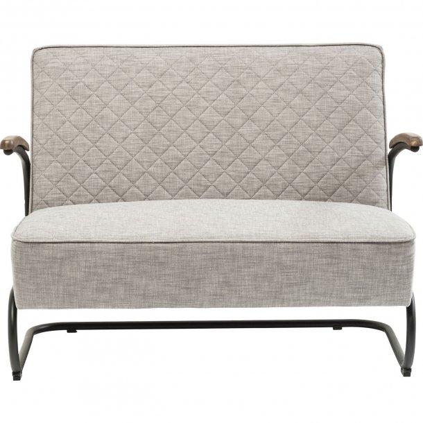 retro sofa i smukt gr t stof i tidsl st design fra kare. Black Bedroom Furniture Sets. Home Design Ideas
