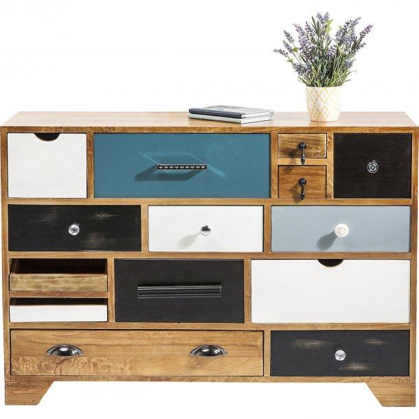 speciel kommode med mange forskellige st rrelser skuffer. Black Bedroom Furniture Sets. Home Design Ideas