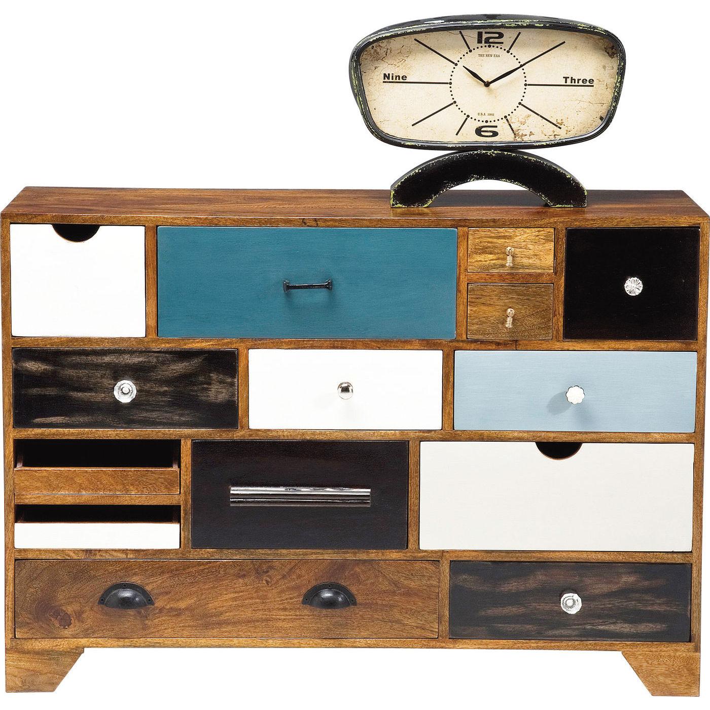 rummelig kommode med fjorten skuffer se den her. Black Bedroom Furniture Sets. Home Design Ideas
