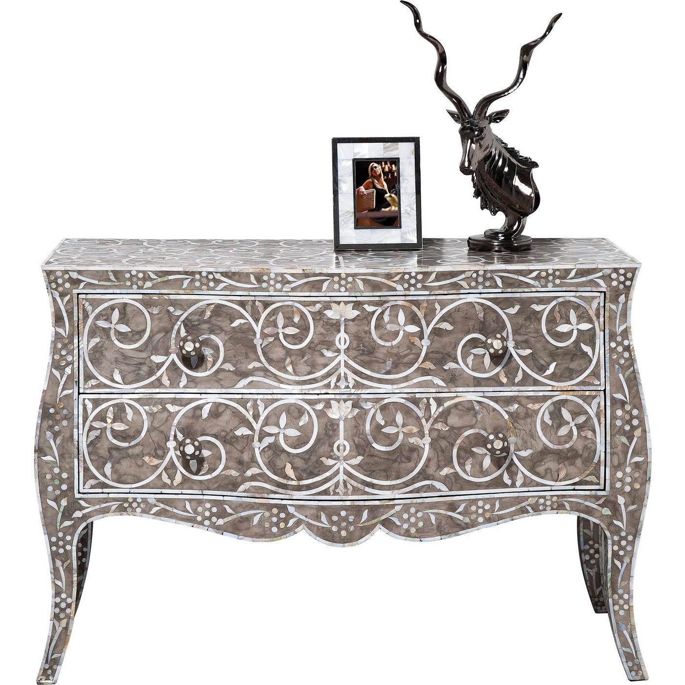 kommode romantic cirrus big med perlemorsmnster flot. Black Bedroom Furniture Sets. Home Design Ideas