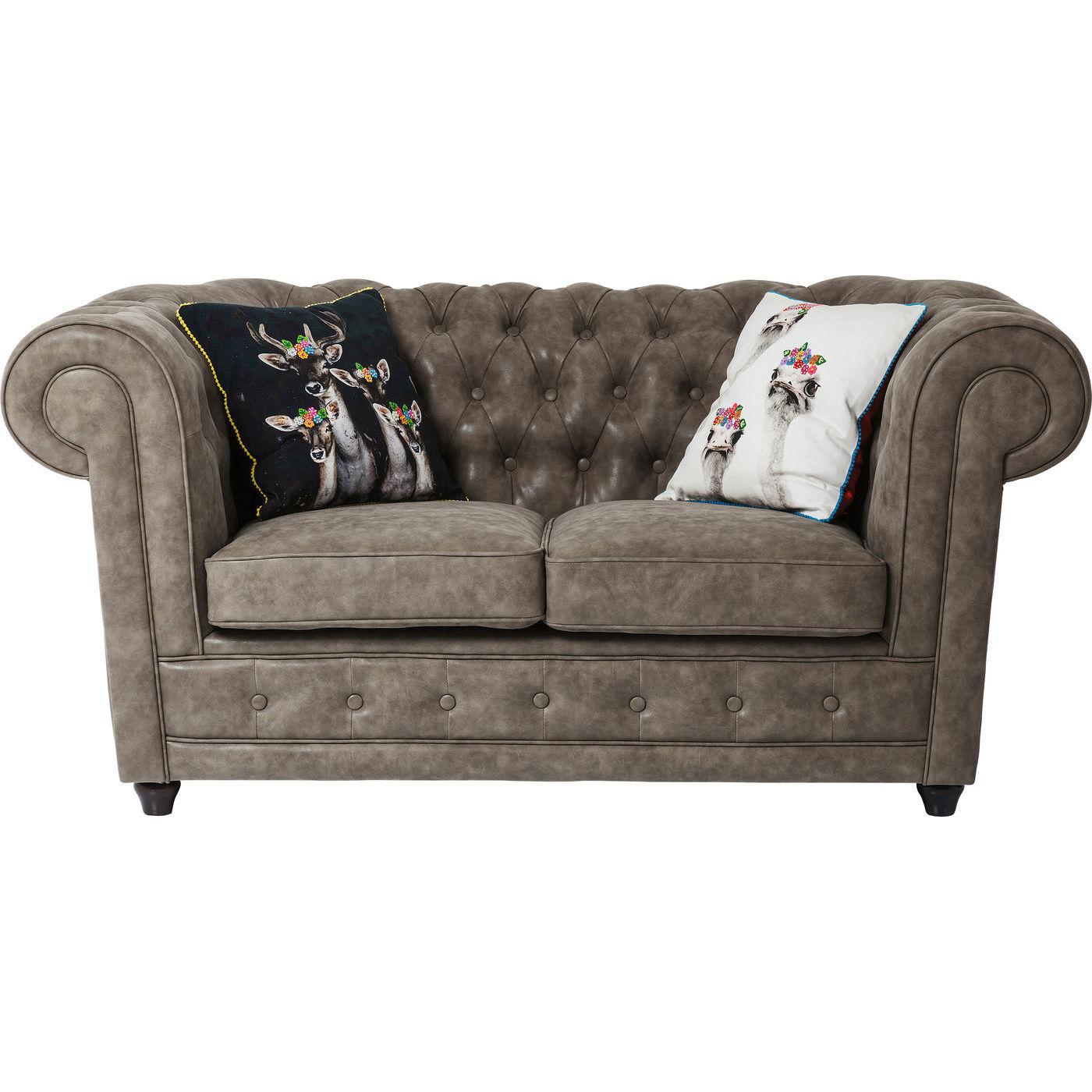 l kker og klassisk 2 pers oxford sofa i gr t l derlook. Black Bedroom Furniture Sets. Home Design Ideas