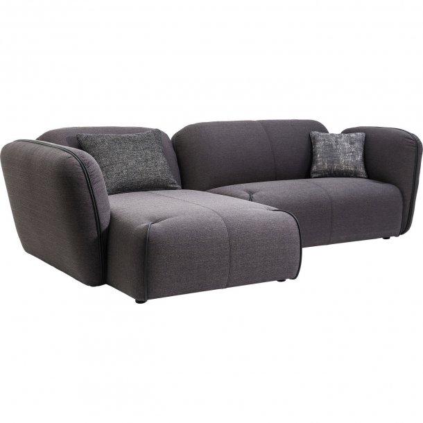 Nuvola sofa med fint stof og bl de s der komfortabel for Kare sofa