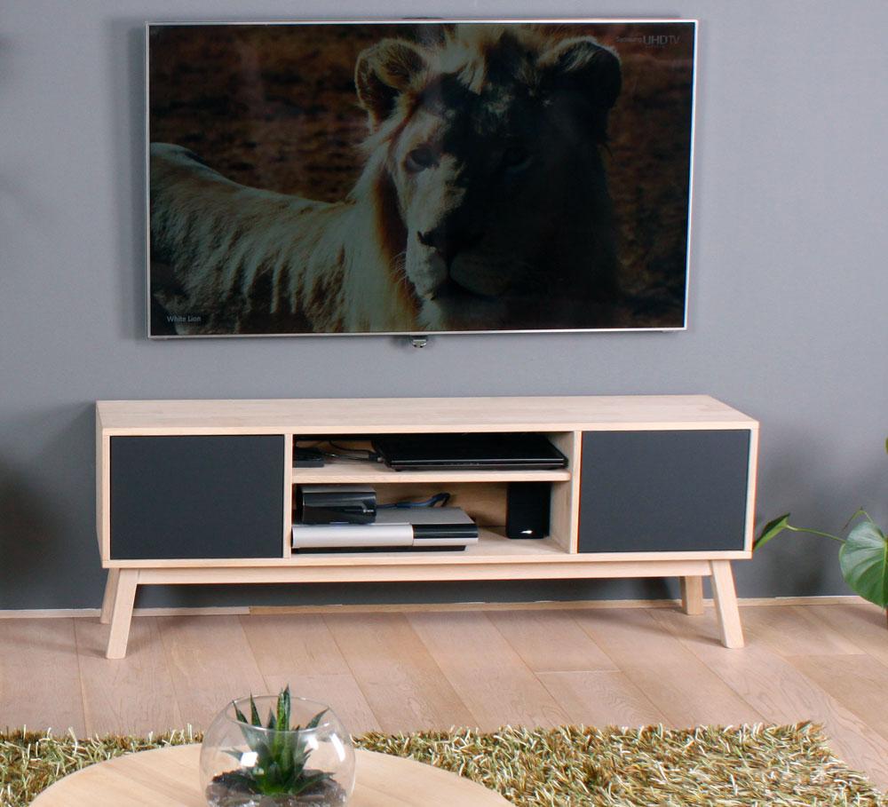 by tika – By tika cannes tv-bord - sort/naturfarvet egetræ, i eg med grå 2 låger og1 hylde, uden hjul, (50x140cm) på boboonline.dk