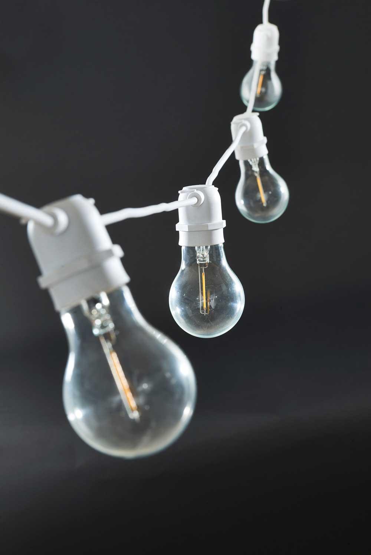 house doctor – House doctor function lyskæde- hvid glas og plast fra boboonline.dk