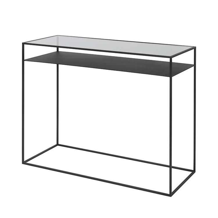 BROSTE COPENHAGEN Kamille konsolbord - glas og sort stål, m. hylde