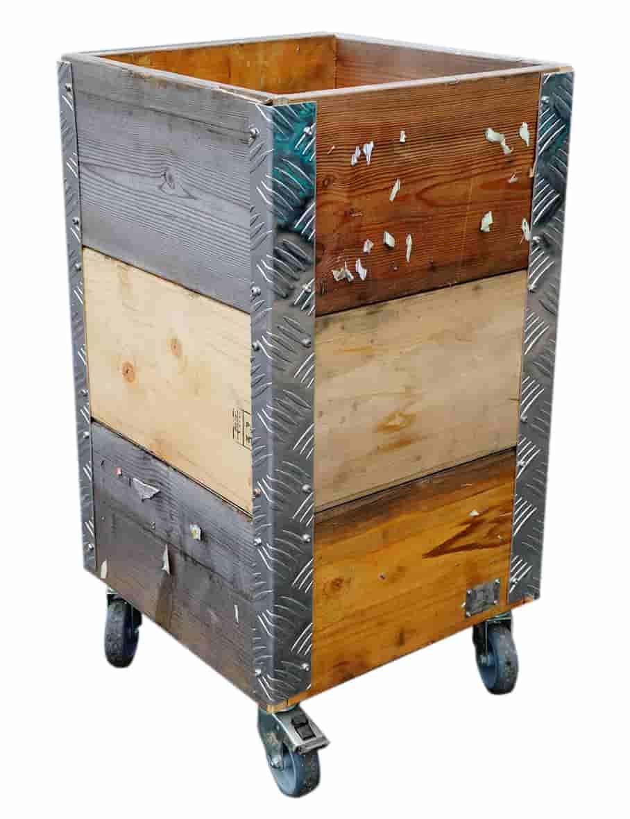 Image of   A2 LIVING Quadro opbevaringskasse - genbrugstræ og alu ramme, på hjul (36x67,5)