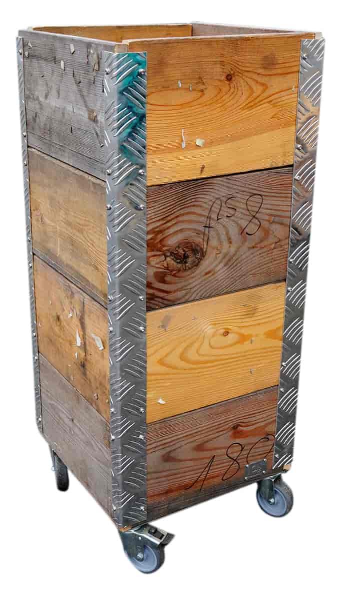 Image of   A2 LIVING Quadro opbevaringskasse - genbrugstræ og alu ramme, på hjul (36x86,5)