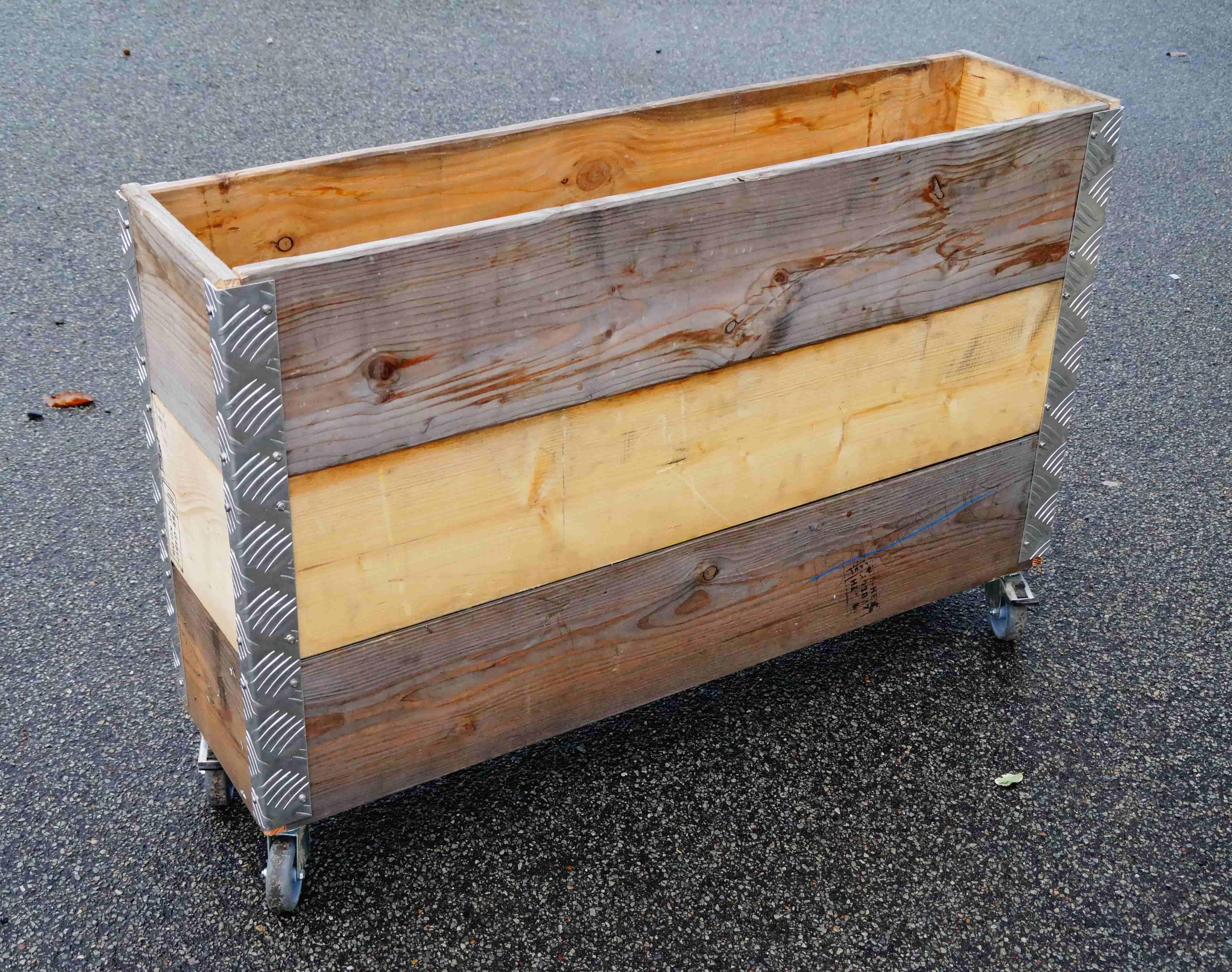 Picture of: A2 Living Longbox Opbevaringskasse Genbrugstrae 3 Lag Pa Hjul Udendors Diverse Bobo Mobler Boligtilbehor Og Indretning Til Hjemmet