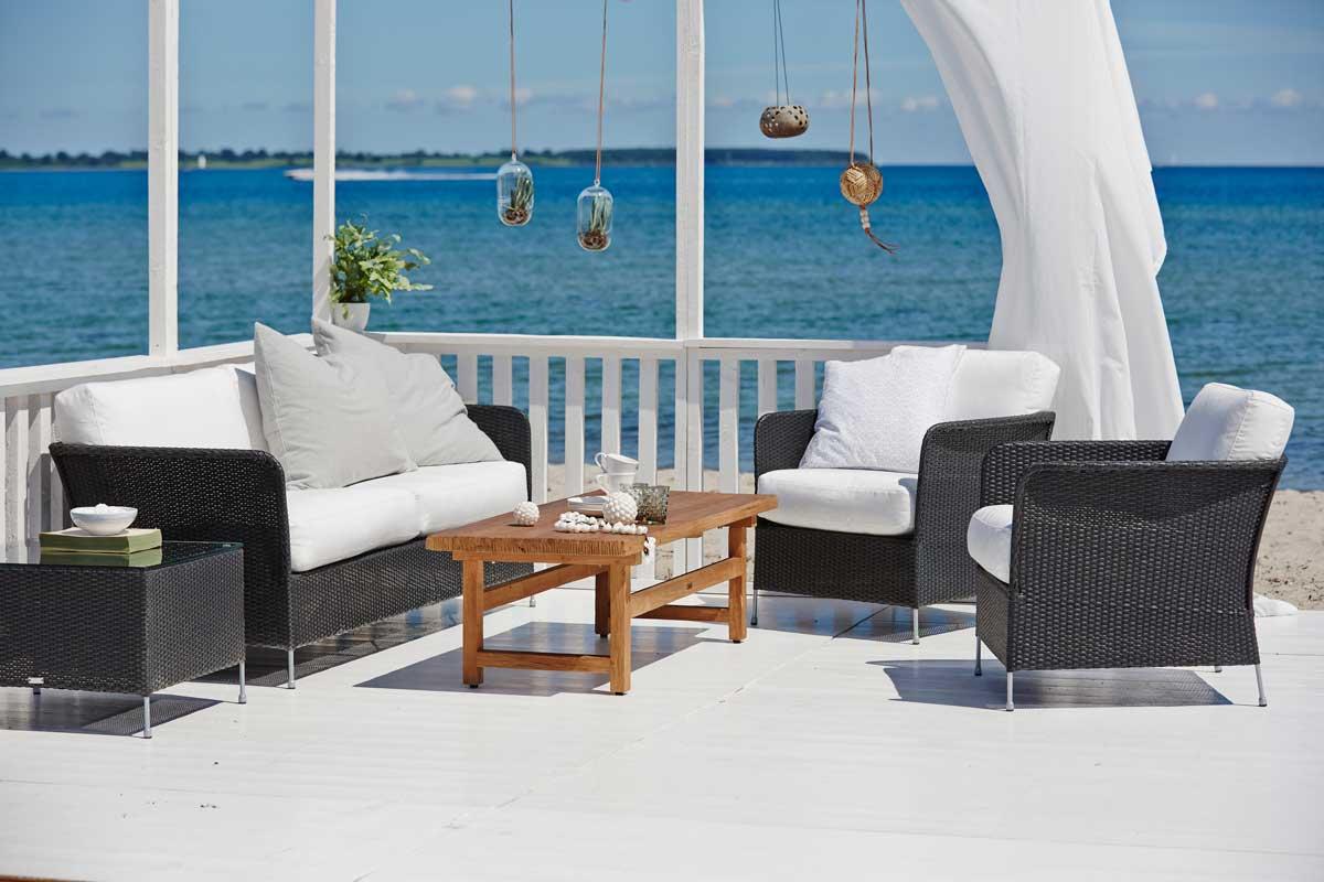 sika design orion sidebord m glasplade sort borde og caf s t bobo. Black Bedroom Furniture Sets. Home Design Ideas