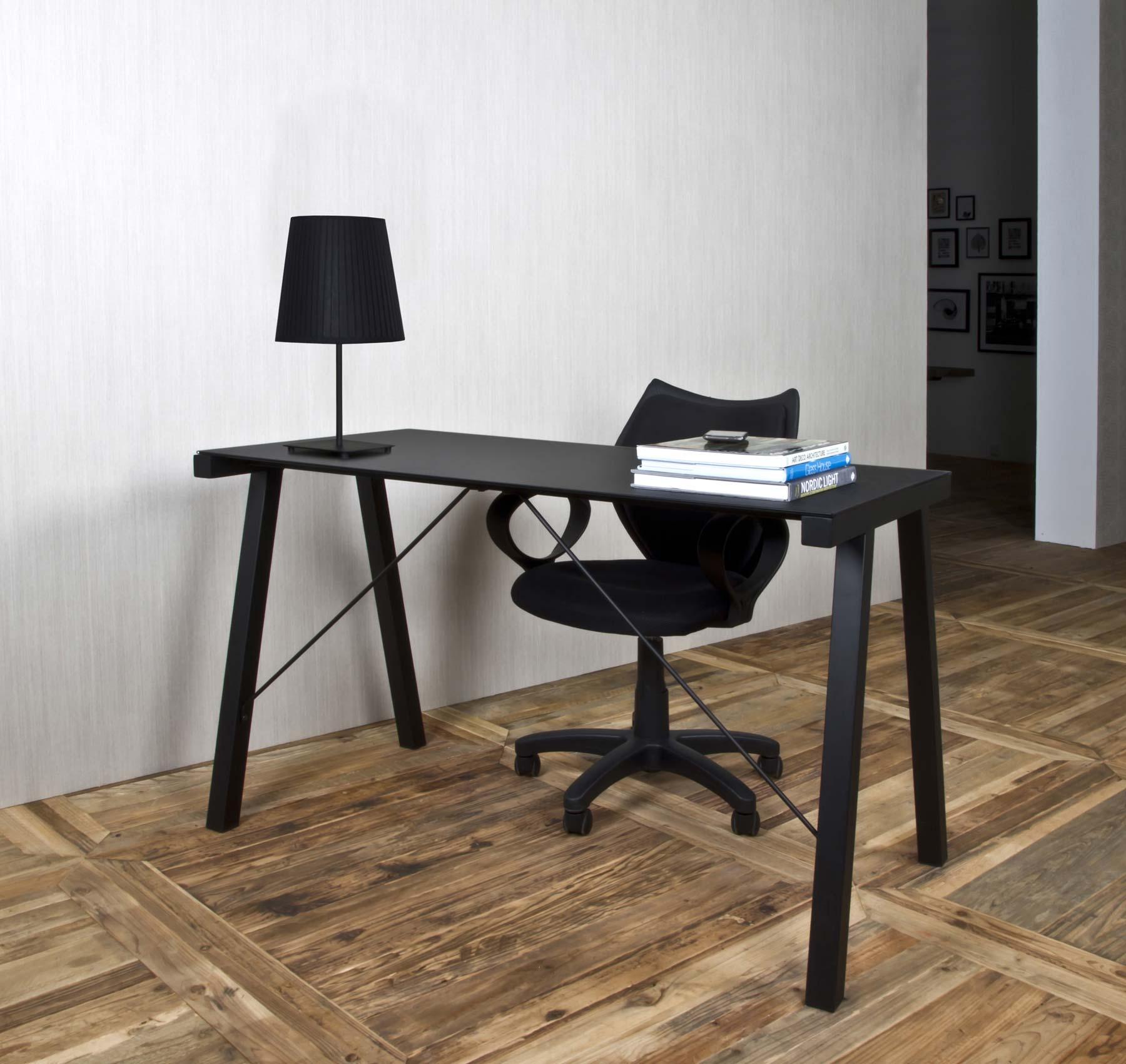 Typhoon skrivebord, Sort med Glasplade. Kom Ind og Se Udvalget