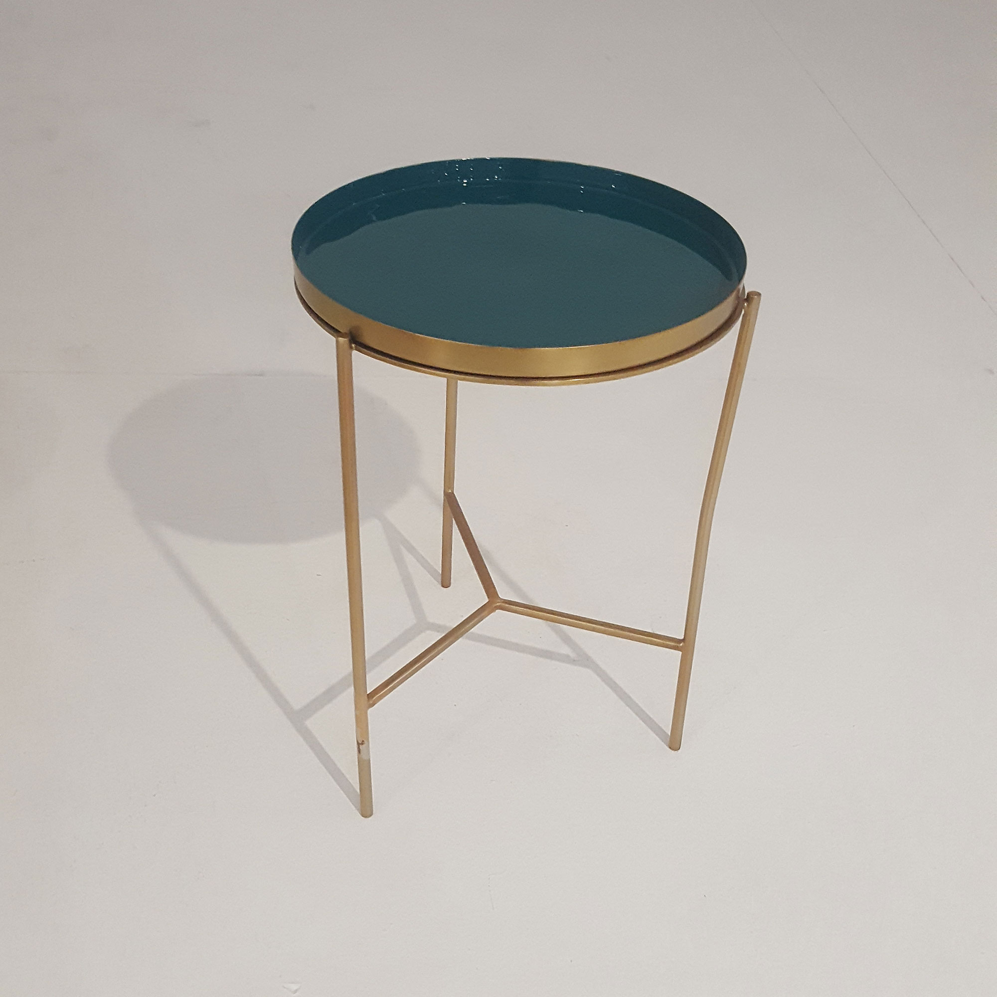 Laforma naoko bakkebord - grøn/messing emalje/metal, rund (ø31) fra laforma på boboonline.dk