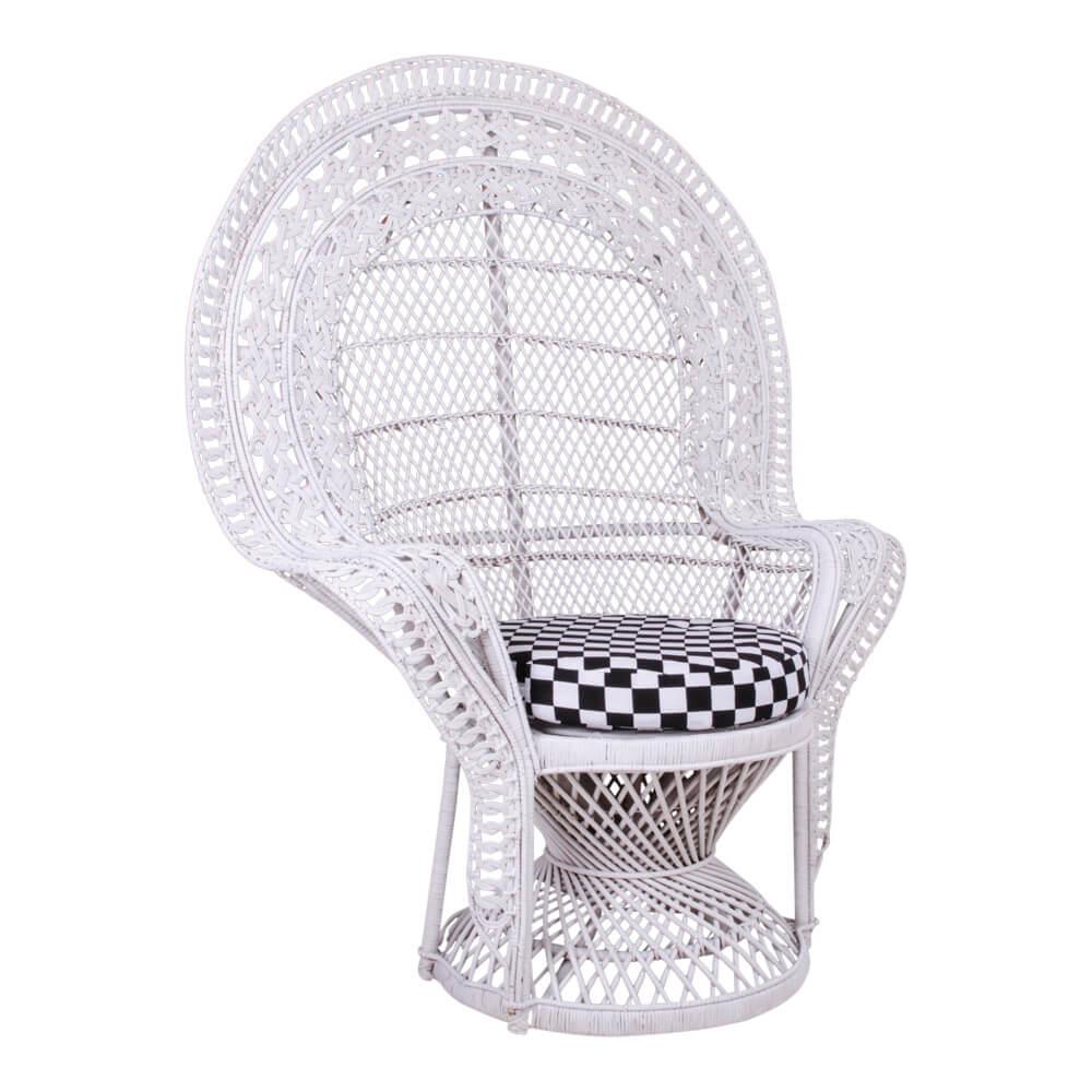 Billede af HOUSE NORDIC Oriental lænestol i hvid rattan med hynde
