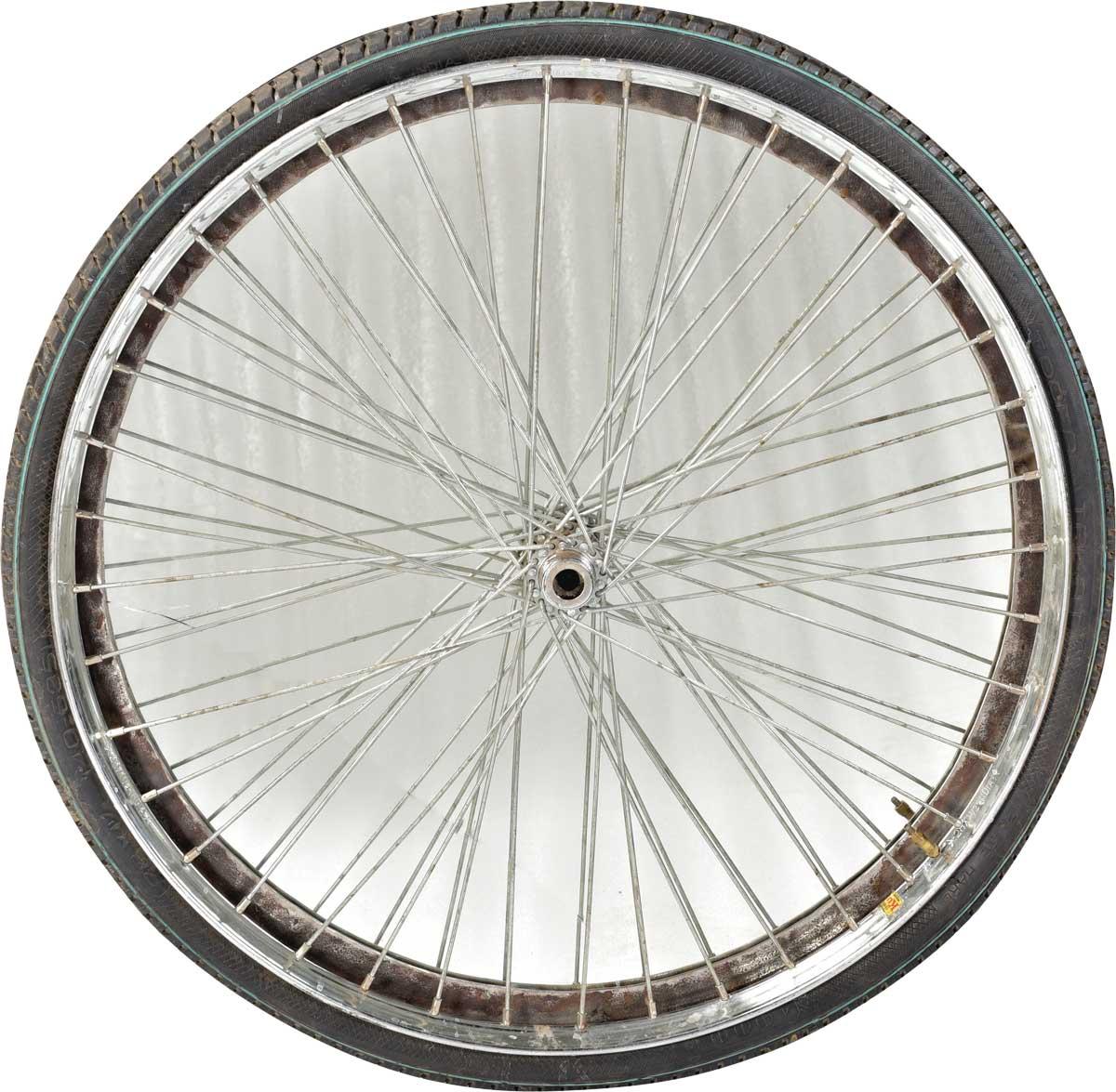 TRADEMARK LIVING Rundt spejl med gammel råt cykeldæk som ramme