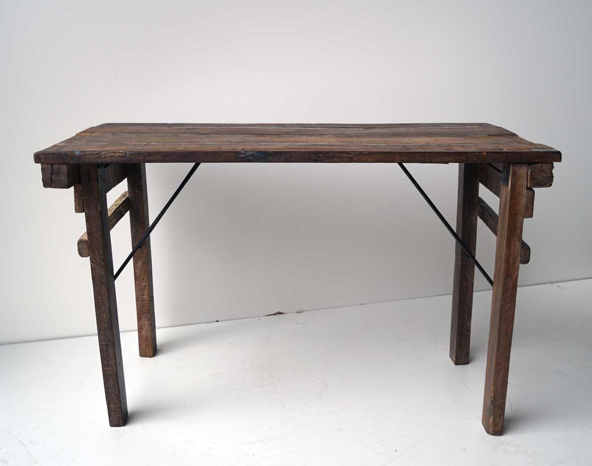 Trademark living skønt lille konsolbord i træ med fin patina