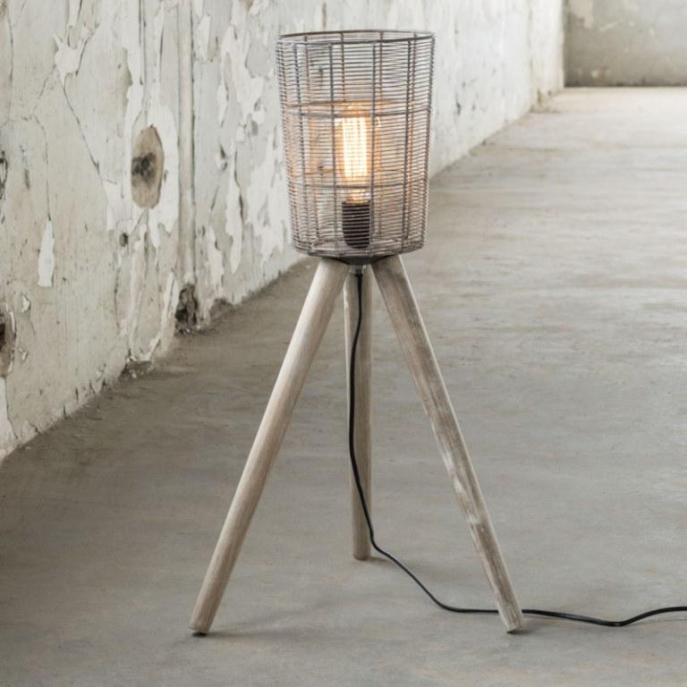 furbo – Furbo gulvlampe, grå metal, træ ben fra boboonline.dk