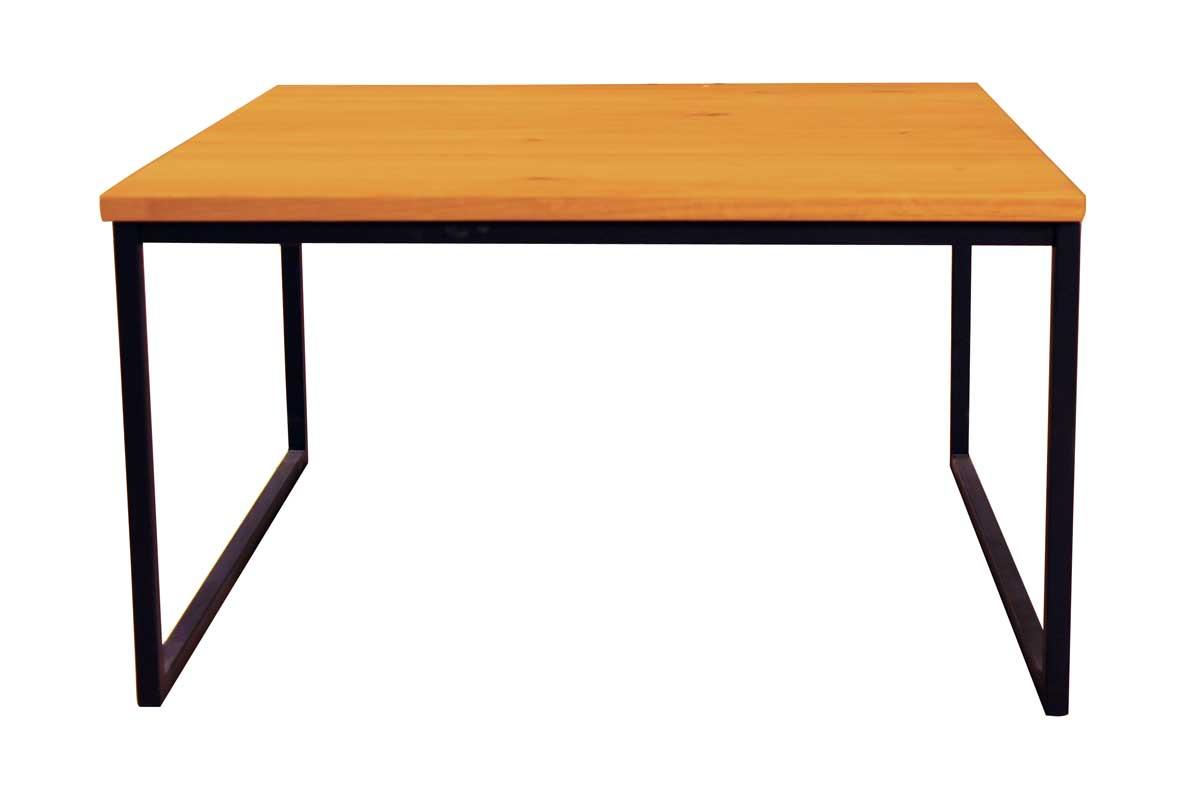 Billede af Sofabord i træ med sort stel - kvadratisk