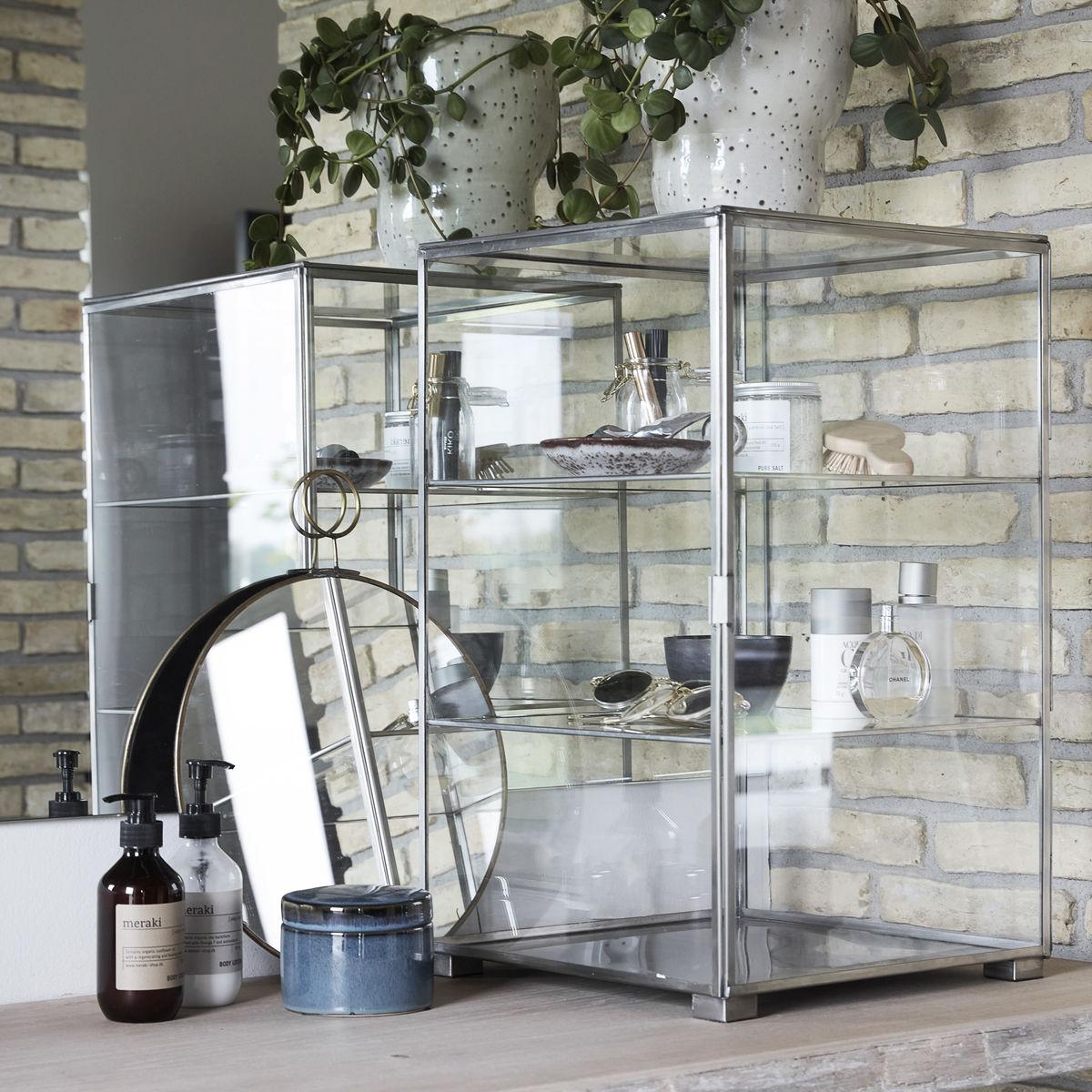 Udestående HOUSE DOCTOR Glass vitrineskab - zink og glas, m. 3 hylder IR82