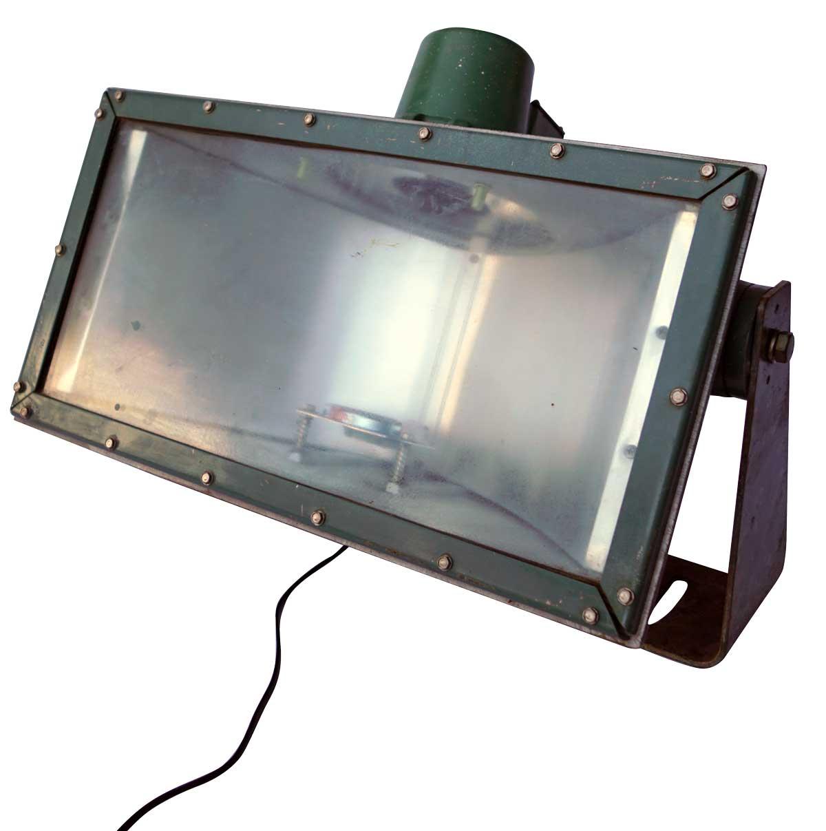 TRADEMARK LIVING Original gammel industrilampe - grøn jern