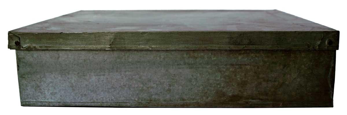 Billede af Trademark Living Fin og enkel gammel kasse med låg - zink